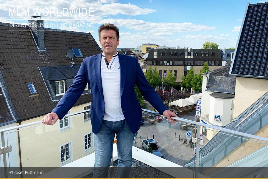 josef-puettmann-bezieht-400-quadratmeter-hightech-maisonettewohnung